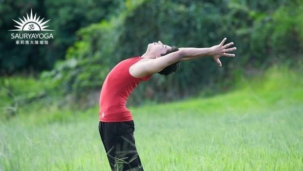坐下來肚子擠出一圈肉?3個瑜珈動作消腹部脂肪,比仰臥起坐更有效