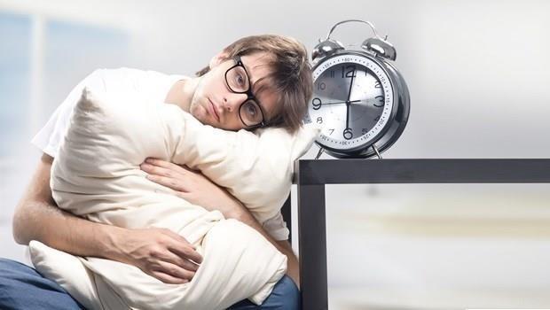 羽毛枕、記憶枕都NG!日本枕頭專門醫師教你3招挑好枕,擺脫失眠、腰酸背痛