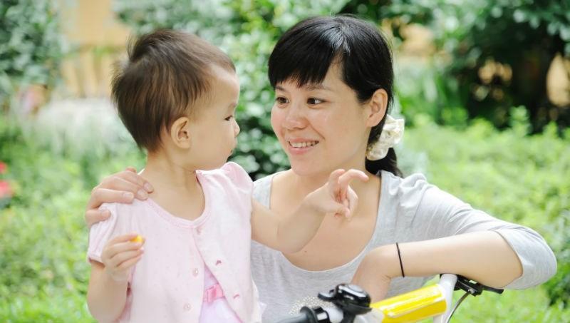 別再說孩子還小!兒科醫師:1歲半的孩子就具備理解和尊重的能力,沒有「長大了就會」這種事
