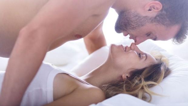 怎樣曉得男子是「愛上妳」,還是只是「愛,上妳」?床上5件事就能看出來