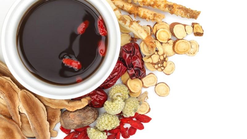 冬天「養腎藏精」,吳明珠最推這5款補湯!照時序喝就能防病又養生