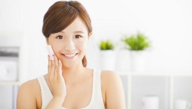 洗臉用冷水還熱水好?哪裡先洗? 醫師傳授「正確洗臉」7大標準步驟