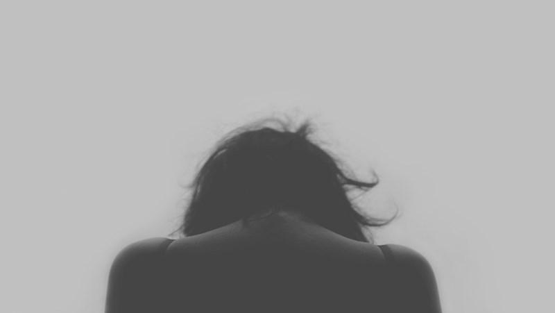 「我了解你的痛苦,請節哀順變」不要好心辦壞事!那些我們不該對喪親者做的13件事