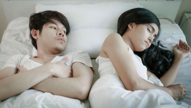 男人床上表現不好,女人千萬不要破口大罵或翻身生悶氣...性治療師教妳10技巧應對