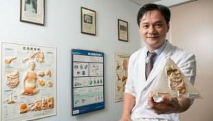 免開刀免化療,治好93歲阿公大腸癌!全台第一名胃腸肝膽科醫師竟在台南小診所