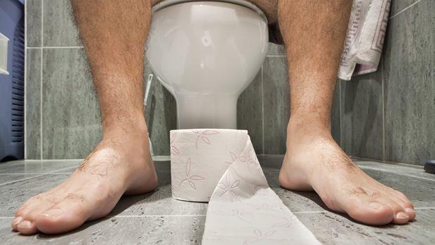 嗯嗯不出來,就在身體裡積毒素!2大「助便神穴」,每天按一按活化大腸