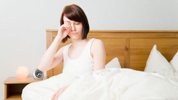 每天睡足8小時很重要!15歲少年竟得老花眼,眼科醫師傳授5招拯救眼睛不老化