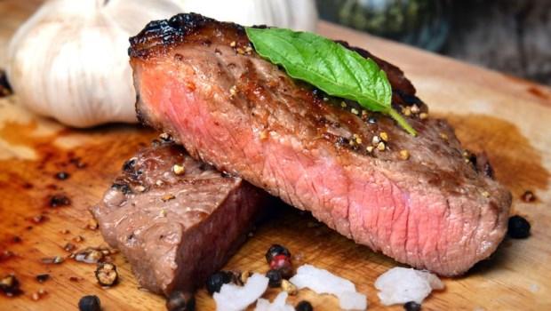 為什麼豬肉必須全熟,而牛肉可以三分熟?