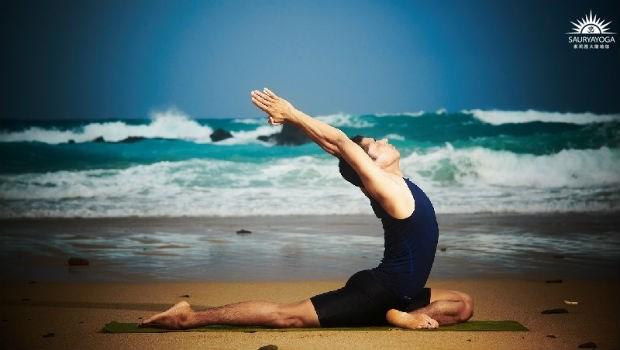 靠這招抗發炎,關節不退化!印度瑜珈冠軍:一個動作改善關節炎、坐骨神經痛/