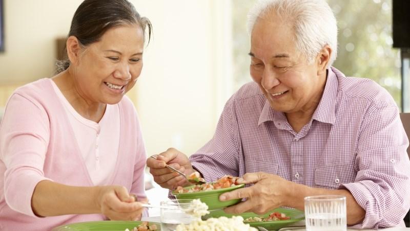 人因節食而變老!給40歲後的養生之道:「微胖」的人最長壽/