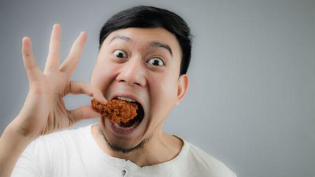 誇張!天天吃鹽酥雞,27歲男胃癌開刀,還躺病床上就問醫師「可以吃炸雞了嗎」