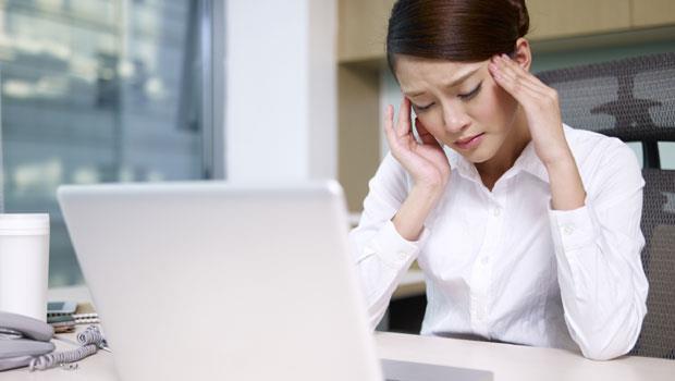每個會頭痛的人一定要看!美國醫學博士教你:2方法挑止痛藥,有效又不傷身