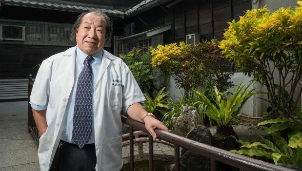 連莫斯科的病人都飛到羅東找他看病!「台灣第一名良醫」林逸民的傳奇故事