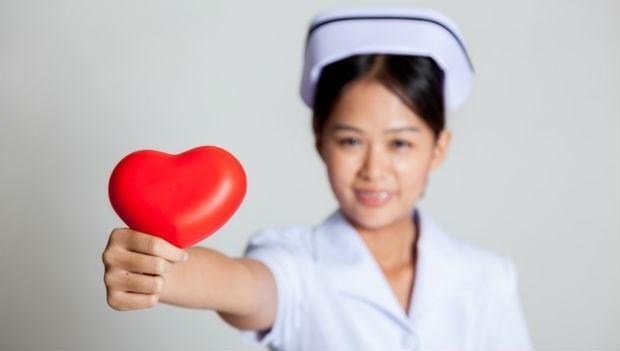 3個護理師的經驗談》遇到「對的人」身體會告訴妳:便秘、放屁...都是挑老公指標