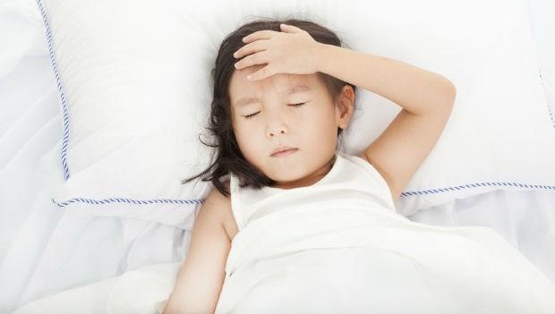 流感、腸胃病肆虐...小孩生病了,什麼時候才可以上學?