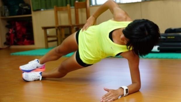 跑步常「鐵腿」,是肌力不夠!不用上健身房,沒事多做一個動作就能改善
