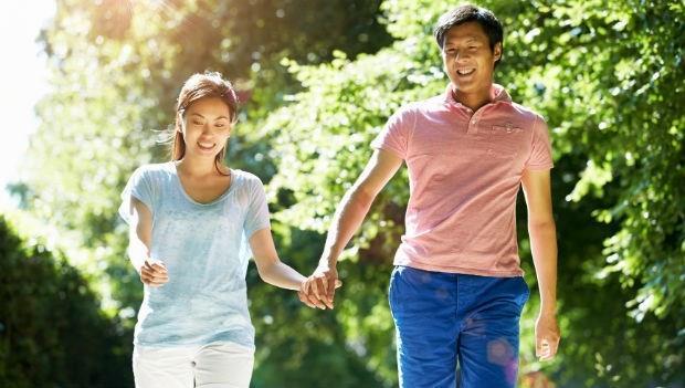 30歲後,最好的運動是散步!中醫教授告訴你20~80歲的養生心法