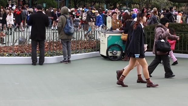 冬天還是穿短裙...為什麼日本女生好像都不怕冷?關鍵就是這個熱銷商品