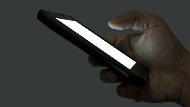 是真的~滑手機也能滑到中毒!使用電腦、手機後,一定要做這件事...