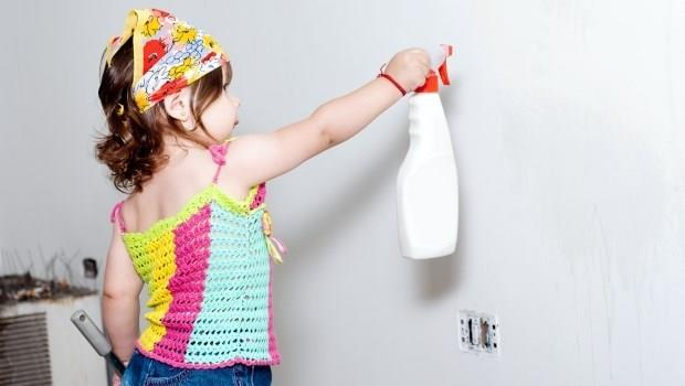 梅雨季家裡好潮濕?用●●噴在牆上,不但除濕還能防發霉
