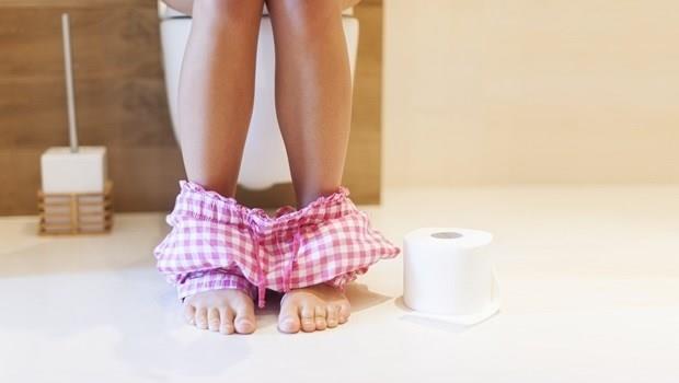 你坐馬桶的方式對了嗎?一張圖告訴你選對姿勢不便祕,連痔瘡都比較少