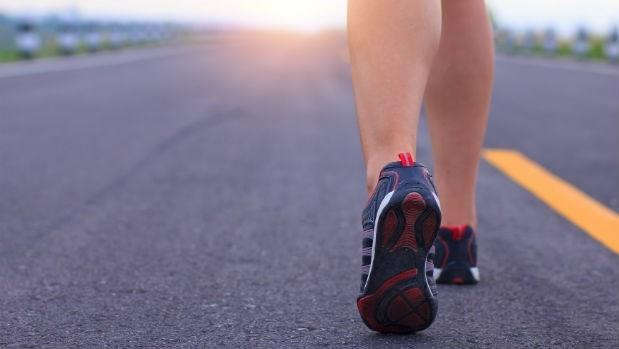 別讓大腦退化了!一周一小時「逆齡步行法」,遠離癌症、失智症