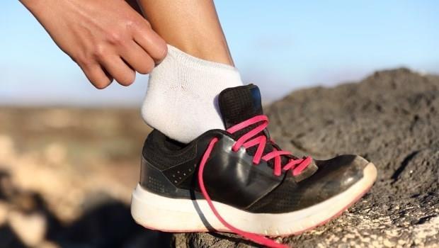 跑步穿錯襪,容易起水泡又受傷!襪子翻過來才知好壞...5個重點挑對襪