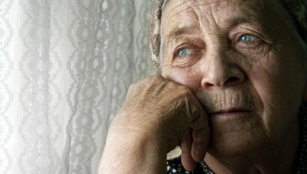 「你買的BMW並不會到安養院看你...」235位老人的人生智慧,濃縮到最後就是一個字