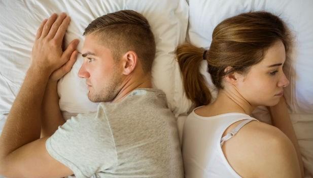 人前喊老公、人後嫌噁心,一對假面夫妻的真實故事:無性婚姻真能長久嗎?