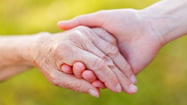 「請幫我拔管,因為,我愛你…」一個安寧病房的真實故事