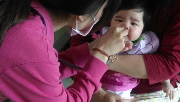 出現黃綠鼻涕≠感冒變嚴重!兒科醫師教你正確認識「鼻涕顏色」的意義