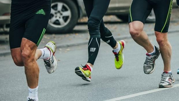 穿壓力褲運動,能跑得更快、不鐵腿?那些廠商沒告訴你的「壓力褲」真相