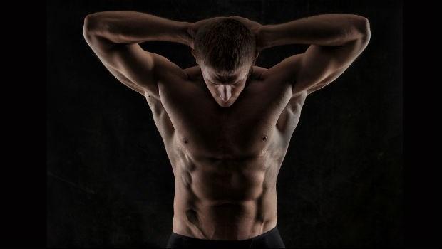 男人啊~光是練「大胸肌、6塊腹肌」是沒用的!腰背沒力,駝背腰痛找上門