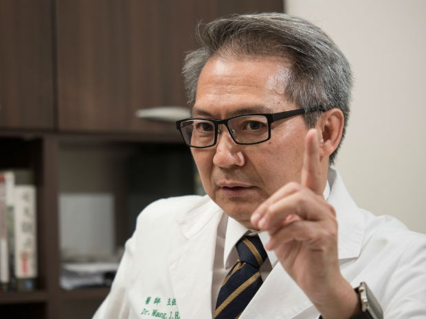 發燒時,別吃退燒藥!感染科第一名醫師:關於發燒,多數人都搞錯的3件事