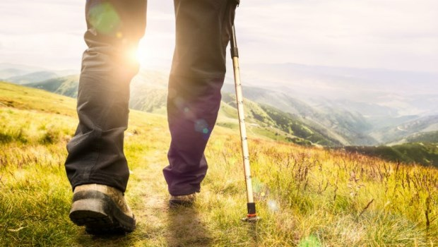 「爬山」是一帖良藥!罹癌後存活45年...台大醫師從坐輪椅到登上玉山的奇蹟