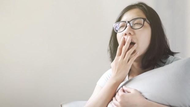 睡不好,萬病纏身!「垃圾睡眠」讓罹癌率增50%,多吃3類食物搶救好眠