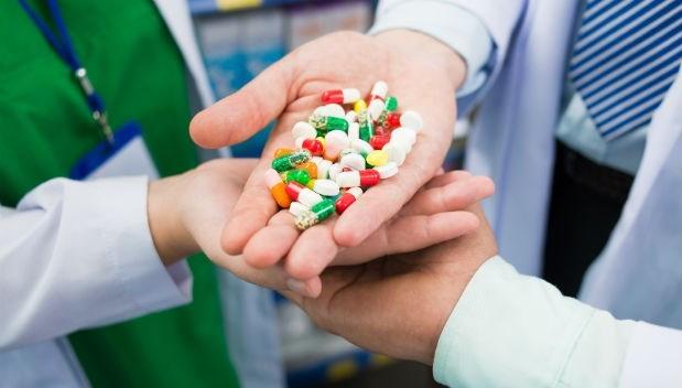 台灣人欺負健保》不吃降血糖藥,囤起來賣給藥局...我在藥局看到的2個暗黑故事