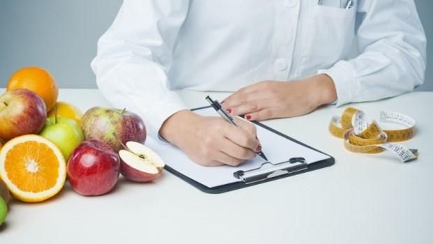 不小心吃太多?營養師大推2種食物,幫你代謝過多熱量,趕在變脂肪前抵銷它!