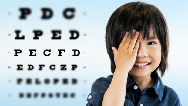 爸媽必看!從0~20歲,眼科醫師傳授「養出不近視孩子」的完全攻略
