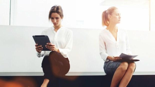 眼紅同事成功該怎麼辦?心理師告訴你:在職場中,如何化解「嫉妒」帶來的焦慮