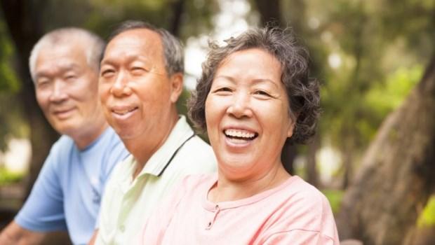 陽氣不夠,身體自然病!北京最貴中醫師教你「脊柱拍打操」暢通血氣,預防心血管疾病