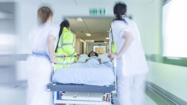只是腸胃炎掛急診…為什麼孩子卻「站著走進來,躺著推出去」?一個兒科醫師的夢魘
