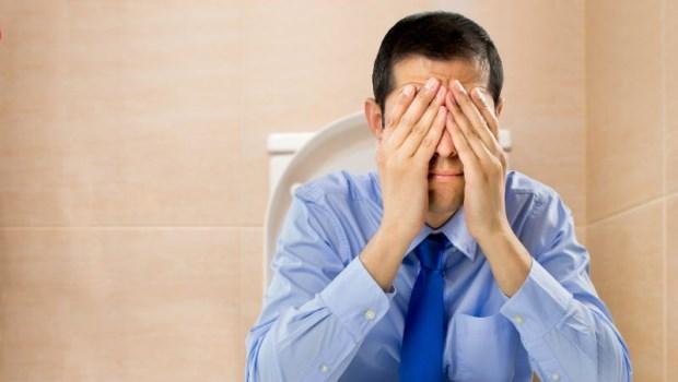每天趴睡10分鐘,刺激腸蠕動!台灣第一位女外科醫師:輕鬆5招,告別便秘