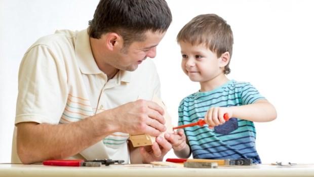 兒科醫師給父母的話:比教導孩子「動手打人就是不對」更重要的事情
