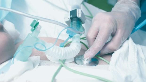 插管是急救,氣切表示病人快死了?胸腔科醫師:大誤!其實「氣切」有5大好處