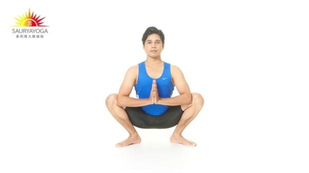 一點都不累~練下半身最有效的動作:蹲著+這個動作,袪除70%的疾病!