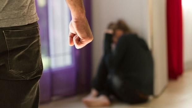 最該保護你的人,竟為了一句話甩來一巴掌》被家暴的人妻告白:一開始,我還以為是自己的錯...
