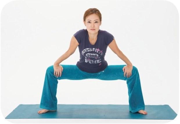 70歲也辦得到!日本最新的血管逆齡操:教你2個月學會「劈腿」找回身體平衡
