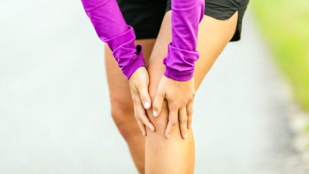保護膝蓋從起床開始!骨科醫師教你:4個好習慣保健膝關節,到老都不會退化!