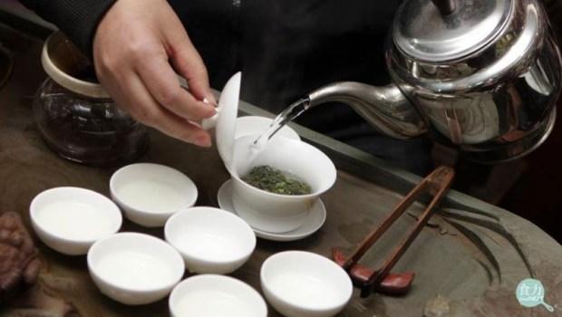 「第一泡」茶有農藥,不能喝要倒掉?茶飲專家解惑!看完這篇就安心喝吧~